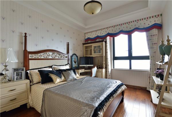 卧室简美风格窗帘