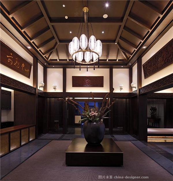 与同类竞争性物业相比,作品在空间布局上的设计创新点: 中式餐厅天花图片